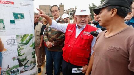 Carlos Bruce asegura que remodelarán zona afectada por aniego