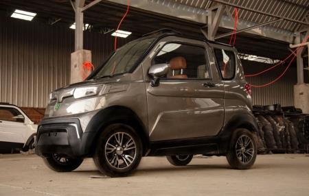 Empresa Boliviana fabrica primer auto eléctrico en su país