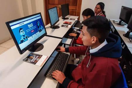 Escolares lideran inscripciones a la gran convocatoria para el concurso 2020 - Beca 18