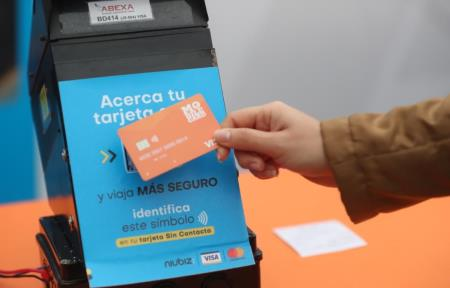 ATU promueve pago con tarjeta en buses de transporte público