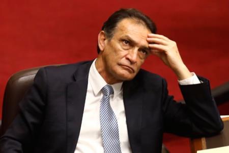 Subcomisión del Congreso declara procedente denuncia contra Héctor Becerril