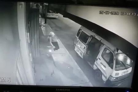 Delincuentes saquean un gimnasio en plena avenida Proceres de la Independencia