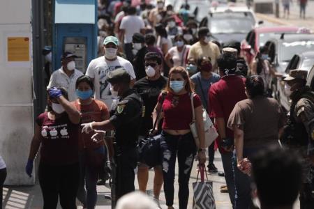 La economía de Perú cae en un 30,2%, el peor registro de la historia