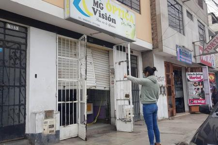 roban-equipos-de-optica-en-pleno-toque-de-queda