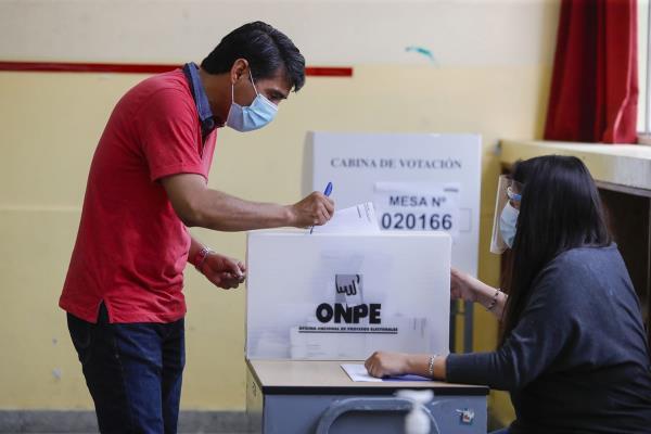 ONPE reasigna locales de votación para garantizar salud de los actores electorales