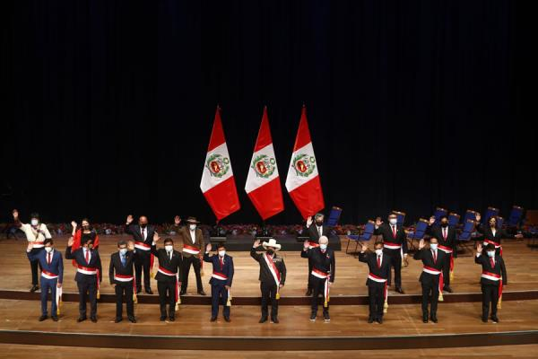 Pedro Castillo tomó juramento a ministros del gabinete de Guido Bellido